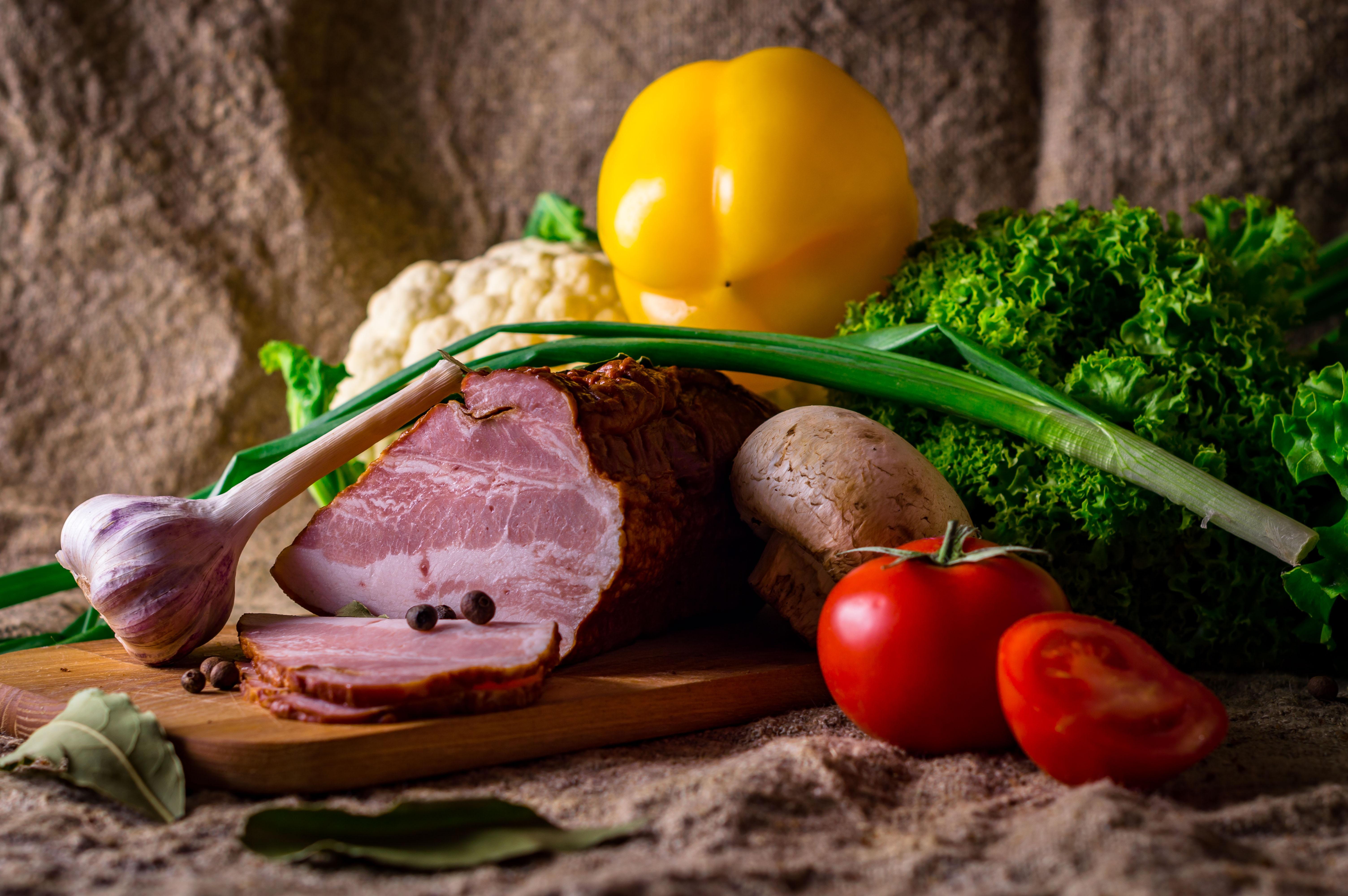 肉や魚など食材の画像